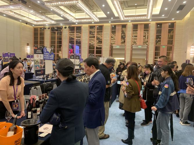 Vinho Madeira reforça promoção na China